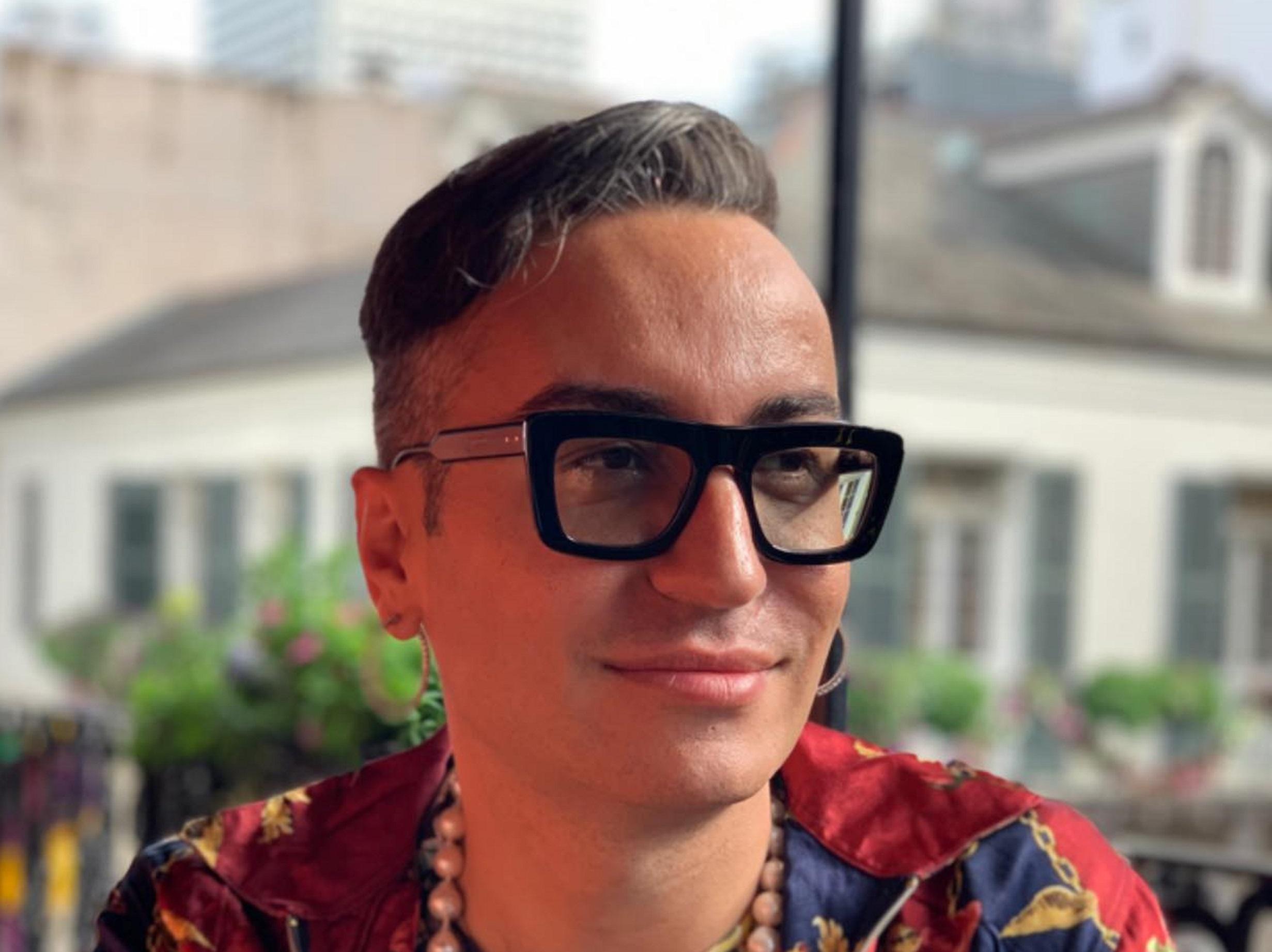 Flet biznesmeni i njohur Elton Ilirjani: Më kërcënojnë pasi deklarova se s'besoj te martesat gay e birësimet - TiranaNews